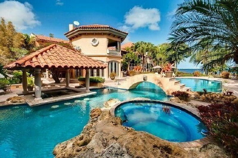 piscina mansion florida